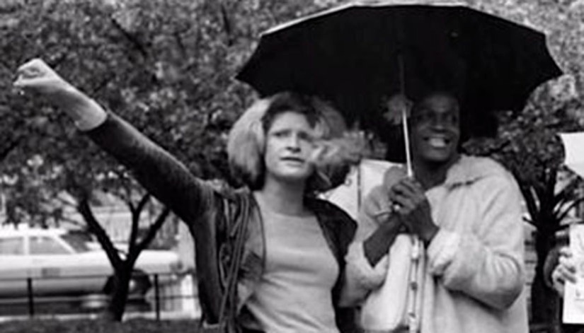 """""""Acción Travesti Callejera Revolucionaria. Supervivencia, revuelta y lucha trans antagonista""""  Entrevistas y testimonios de las activistas  trans radicales Sylvia Rivera y Marsha P.Johnson."""